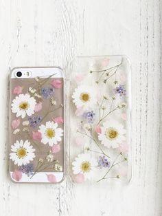 ⑤かすみ草と春色押し花iPhoneケース