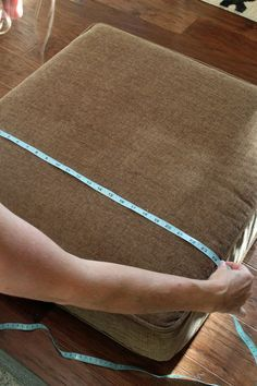 How to make custom cushion covers w awesome One step piping tip!