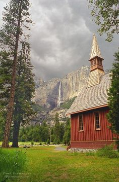 Man's Church and God's Church at Yosemite National Park, California, Have been here.Yosemite is one of my favorite places Old Country Churches, Old Churches, California National Parks, Yosemite National Park, California Usa, Yosemite California, California Camping, Beautiful World, Beautiful Places