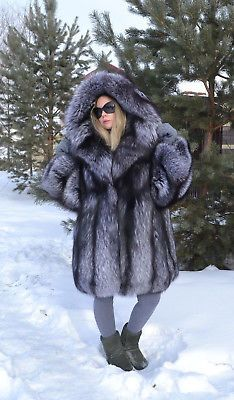 633 Best Silver fox fur fashion images in 2019   Dressing up, Silver ... c50e16a5f0f