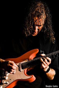 Fantastic jazz-fusion & blues guitarist Scott Henderson