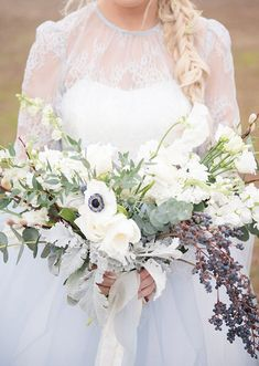 30 Downright *Dreamy* Ideas for a Winter Wedding  #purewow #wedding #beauty #fashion #winter #decor #bouquet #flowers