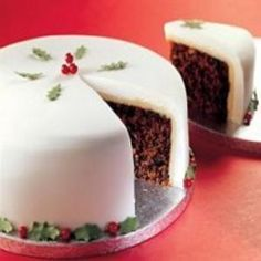 Beca Lyne-Pirkis and Michela Chiappa round off our festive dinner with Christmas Cake and ice cream Food Cakes, Cupcake Cakes, Cupcakes, Fruit Cakes, Decoration Patisserie, Gateaux Cake, Christmas Pudding, Moist Cakes, Cake Icing