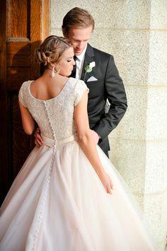 Wedding Gown. Utah wedding photography. AlliChelle Photography. Modest wedding dress. Blush ballgown. Buttons and beading on wedding gown. Salt Lake Temple wedding. Bridal hair braid