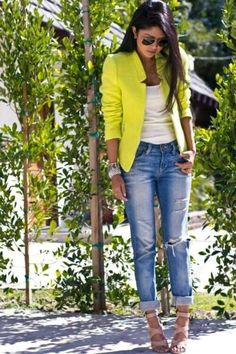 Love this yellow blazer!!! ❤