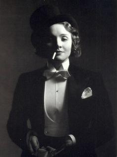 Marlene Dietrich androgyny evening dress cartier white tie tailcoat van cleef and arpels knize trabert and hoeffer eddie schmidt approriation full dress Marlene Dietrich, Old Hollywood Glamour, Vintage Hollywood, Classic Hollywood, Vintage Vogue, Dandy, Divas, Art Graphique, Cabaret