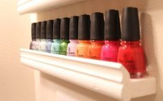 Nail polish storage moulure