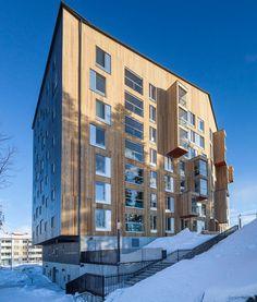 La Giuria del premio dell'Unione Europea per l'Architettura Contemporanea 2017 - Mies van der Rohe Award ha reso noto l'elenco delle 40 opere selezionate tra le 355 complessivamente pervenute. Tra queste una è italiana, la nuova sede di Milano della Fondazione Prada progettata dallo studio di architettura OMA. guidato da Rem Koolhaas.
