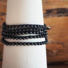 Braccialetto nero crochet
