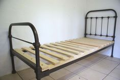 Antique French Single Iron Bed 2 ft more shabby chic French iron beds in stock on our website. Antique Iron Beds, Wrought Iron Beds, Palette Bed Diy, White Single Bed Frame, Iron Twin Bed, Diy Bett, White Bedding, Dark Bedding, Neutral Bedding