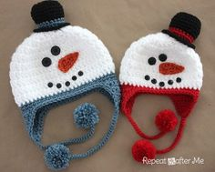 Crochet Snowman Hat on Repeat Crafter Me and more free crochet snowman pattern links at mooglyblog.com!