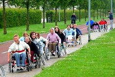 racen met rolstoelvrouw