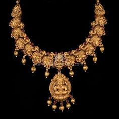 jewelry necklaces which truly are amazing! Gold Temple Jewellery, Real Gold Jewelry, Indian Jewelry, Short Necklace, Gold Necklace, Necklace Set, Gold Earrings, Bridal Jewelry Vintage, Antique Necklace