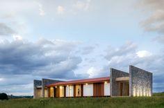 Casa EM / Estúdio MRGB