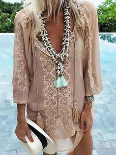 45 Boho Outfits To Copy Right Now - Global Outfit Experts Moda Boho, Gypsy Style, Bohemian Style, My Style, Hippie Style, Mode Hippie, Hippie Boho, Bohemian Shirt, Bohemian Necklace