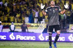 David Ospina se refirió a la difícil victoria de la selección Colombia sobre Ecuador. Video: http://www.elpais.com.co/elpais/david-ospina/videos/david-ospina-refiere-dificil-victoria-seleccion-colombia-sobre-ecuador#