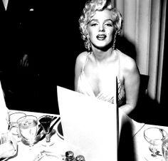 Marilyn Monroe at the Photoplay Awards, 1954