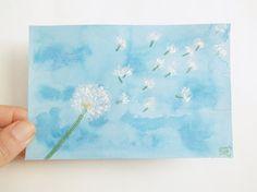 #dandalion #etsy #lasoffittadiste soffione tarassaco blu acquerello dipinto con pennarelli glitter acrilico su cartoncino azzurro 10x15 cm ooak regalo  lasoffittadiste