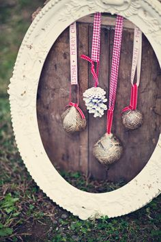 beautiful vintage ornaments.  I want to try making some with my kids!  lovely etsy find.