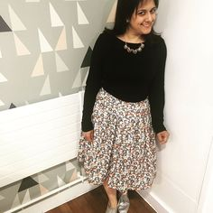 Really pleased with this Sew Over It Lizzie Skirt. This was made at one of the fab classes at Sew Over It, highly recommended Skirt Sewing, Skirt Patterns Sewing, Anna May, Sew Over It, Embroidery, Instagram Posts, Skirts, Outfits, Fashion