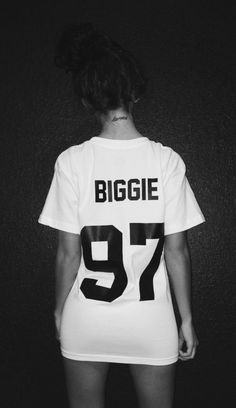 shirt t-shirt biggie white t-shirt karma tattoos biggie smalls dope wang biggie, stop the violence, biggie, tupac, trust nobody Dope Fashion, Fashion Killa, Urban Fashion, Pink Fashion, Fashion Men, Fashion Trends, Style Outfits, Dope Outfits, Hipster Outfits