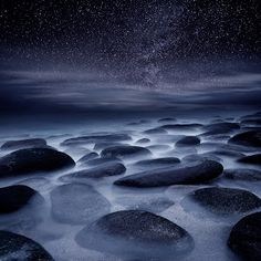 Beyond our imagination by Jorge Maia - Composition of 2 exposures Click on the image to enlarge.