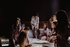 Genomineerde Bruidsfoto Award 2020 // Categorie: Getting Ready // Fotograaf: Roosmarijn de Groot Fotografie