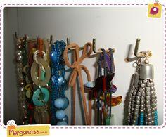 #Organize Bijoux (bijuterias) http://www.margaretss.com.br/organizando-as-bijouterias/