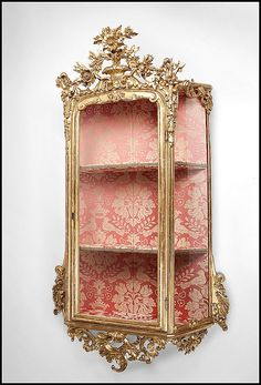 18th Century Hand Carved Giltwood Venetian Wall Vitrine or Curio Cabinet