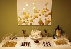 I like this lay out of the champagne and dessert table.also, I could make a canvas with gold paint on it. Hostess with the Mostess® - Champagne Birthday Party Golden Birthday Parties, 30th Party, Nye Party, Gold Party, Holiday Parties, Party Time, Glitter Party, Gatsby Party, Champagne Birthday