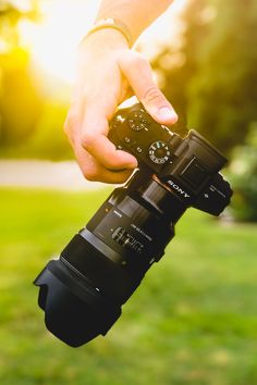 Sony Camera - The Ideal Piece To Learn While Searching For Photography Info Blur Photo Background, Studio Background Images, Blur Background Photography, Dslr Background Images, Best Camera For Photography, Photography Camera, Professional Photography, Profile Photography, Professional Camera