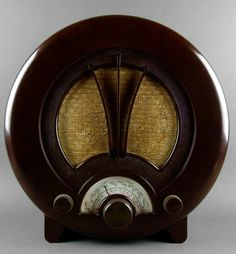 British Art Deco Bakelite Radio