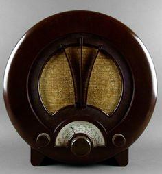 British Art Deco Bakelite Radio