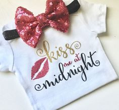Kiss me at midnight, new year, babies, first New Years, christmas, onesie, bodysuit, fall by PerfectlyPINKBow on Etsy https://www.etsy.com/listing/496000175/kiss-me-at-midnight-new-year-babies