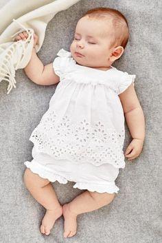 Next:日本で今すぐオンラインショッピング: ホワイト 刺繍 ブラウス & ブルマーセット (0 か月~2 歳) Next:日本
