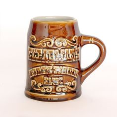 Cheers!  This vintage 1960s Clearman's North Woods Inn Beer Stein is a treasure from one of our favorite restaurants! The original Clearman's @northwoodsinn still standing - built in Monrovia CA in 1958 and then moved log by log to it's current location on Rosemead Blvd in San Gabriel in 1966.  Shop link in bio  #clearmansnorthwoodsinn #beer #vintage #beerstein #vintagedecor #hallchina #bar #souvenir #1960s #vintagestyle #barware #cheers #pipsonpatterson by pipsonpatterson