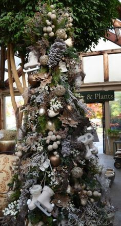 15-Unique-Christmas-Tree-Designs-6