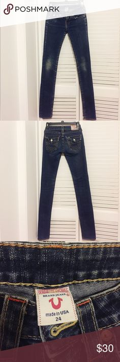 True Religion Dark Wash Skinny Jeans Cute and fitted dark wash skinny jeans from True Religion. Knees have some wear, but otherwise good condition. 🌟Open to reasonable offers!🌟 True Religion Jeans Skinny