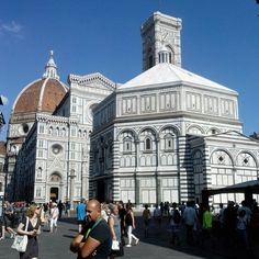 What to do in Florence : things to do and restaurant tips Pisa, Fairs And Festivals, Bed And Breakfast, Italy Travel, Tuscany, Sunny Days, Holiday Fun, Venice, Things To Do