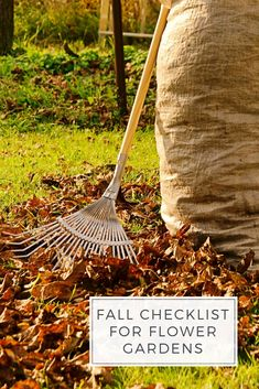 This October/November to-do list includes six tasks that will set the stage for next year's garden. These weekend projects will get you outdoors and keep you active all the way to Thanksgiving! Autumn Garden, Spring Garden, Lawn And Garden, Garden Tools, Fall Checklist, Food Safety Tips, Food Styling, Styling Tips, Weather Activities