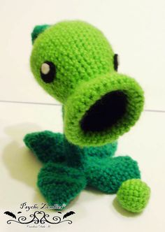Pea shooter amigurumi Plants vs zombies made to by psychozombies, $26.00. Love this little guy!