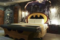 Your Batcave Awaits: Batman-Themed Hotel Room is Awesome | OhGizmo!