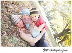 Sweet fall family session! Mama with kiddies, rolling in the leaves :)