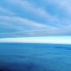 Early morning flights have its perks #avgeek #aviation #clouds #cloudporn #sky #skyporn #cockpit #cockpitview #crewlife #crewview #pilot #pilotlife #pilotsviews #sunny #sunrise #sunrises #cloud #blue #bluesky #blueskies #blueskiesandsunshine by ejetdriver