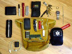 Levi's leather wallet Sharpie AA Maglite Leatherman Wave Nite...