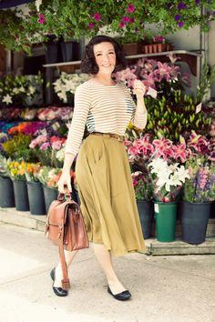 striped tee + midi skirt + belt + flats + satchel / unfussy yet polished