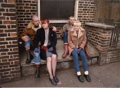 skinhead love affair... Chica Skinhead, Skinhead Girl, Skinhead Fashion, Ska Punk, Skin Head, Teddy Boys, Riot Grrrl, Rude Boy, Britpop