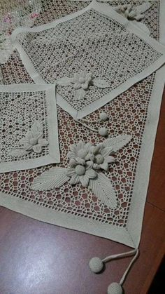 This Pin was discovered by HUZ Crochet Diagram, Filet Crochet, Irish Crochet, Crochet Motif, Crochet Flowers, Crochet Lace, Crochet Decoration, Crochet Home Decor, Baby Knitting Patterns