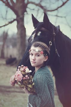 Gypsy bohemian horse styled photo shoot | © Lucy Dennis Photography