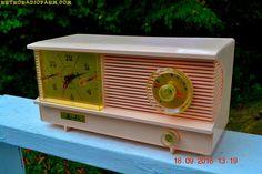 POWDER PINK Vintage Antique Mid Century 1961 Arvin Model 51R23 Tube AM Clock…
